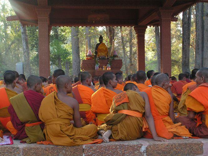 Mönche vor dem Gebet