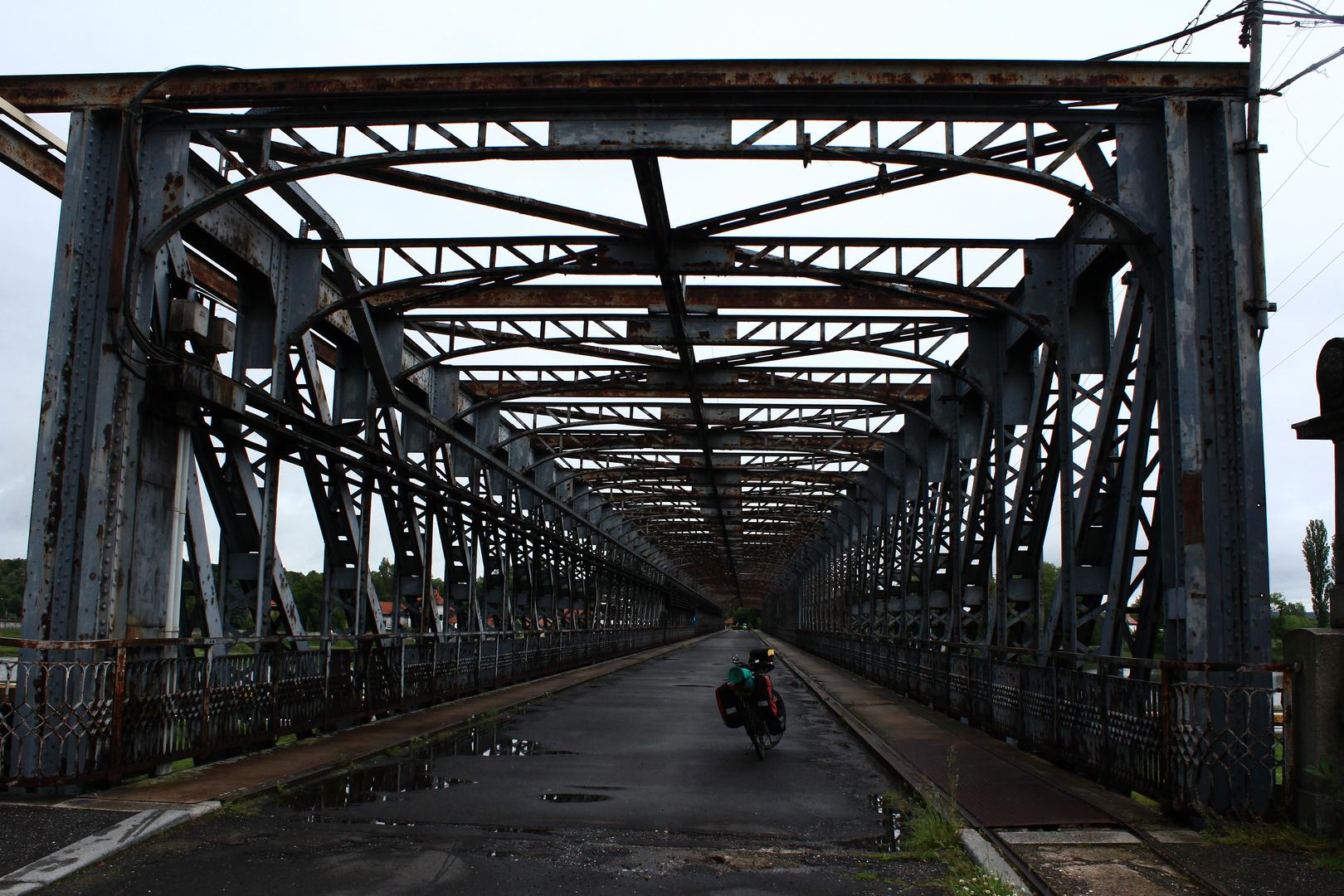 Moldaubrücke bei Veltrusy