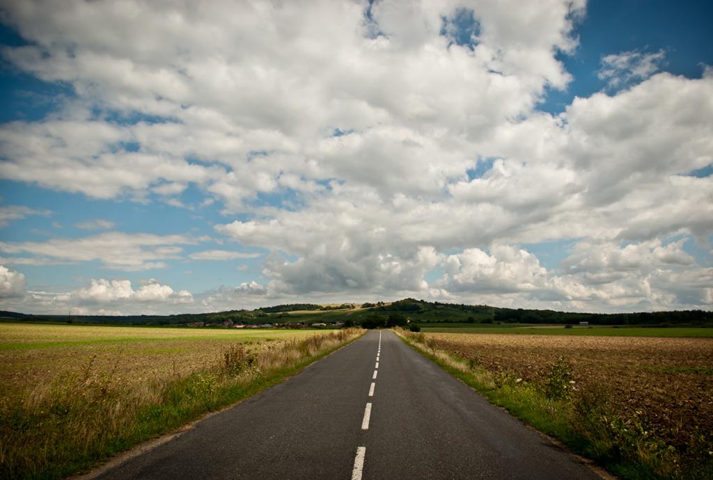 Mon pays: Au bout de la route , mon histoire