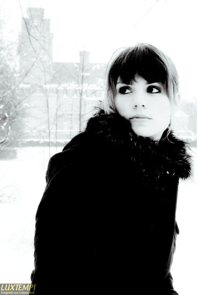 Mona im Schnee