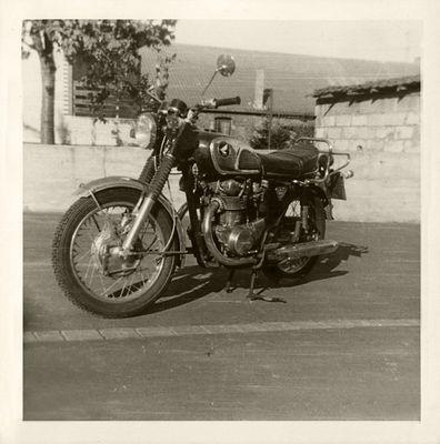 Mona war auch mal ne Motorrad-Braut