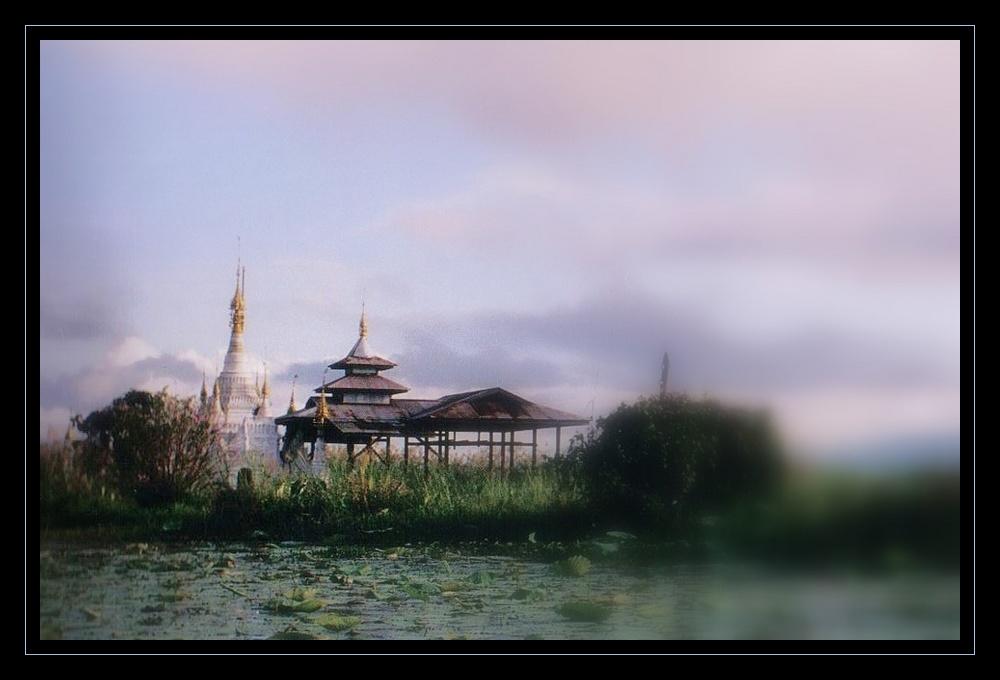 monastère perdu sur le lac INLE (reloaded)