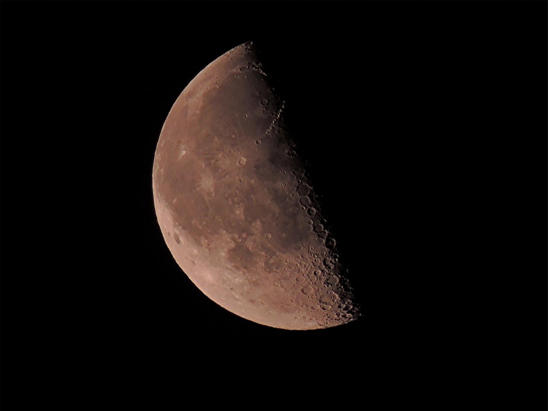 Mond 2...