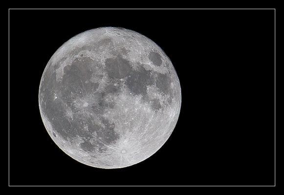 Mond (+30)
