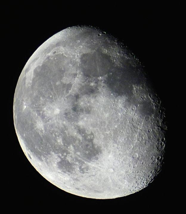 Mond 4 Tage nach Vollmond (1)