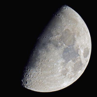 Mond 8.89255