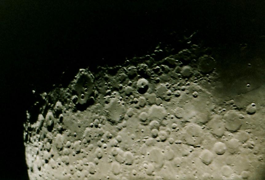 Mond - 9 Tage alt (=9 Tage nach Neumond)