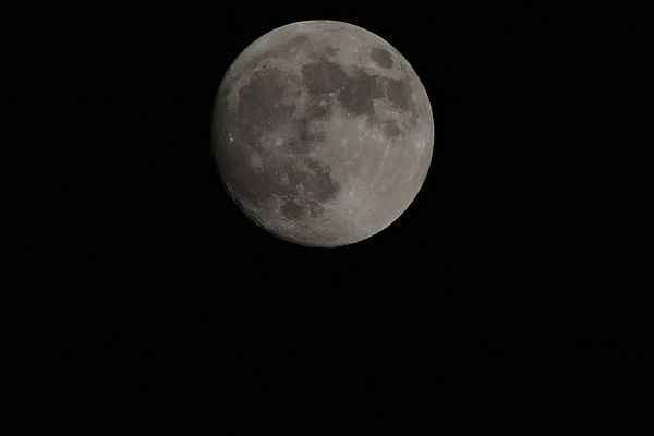 Mond am 02.04.2015