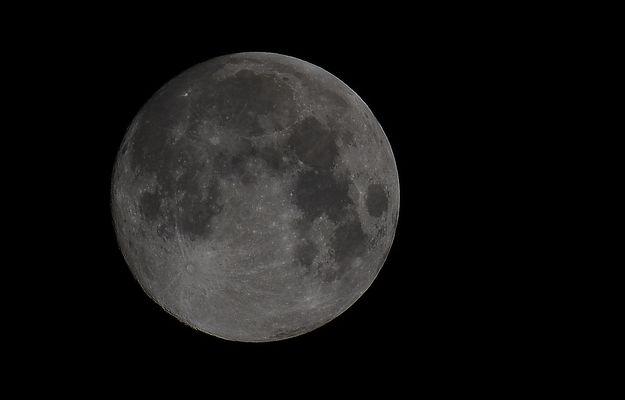 Mond am 18.09.2013