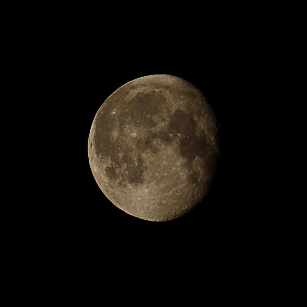 Mond am 19.10.2013