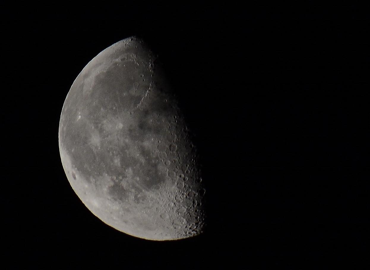 Mond am 2.4.2013