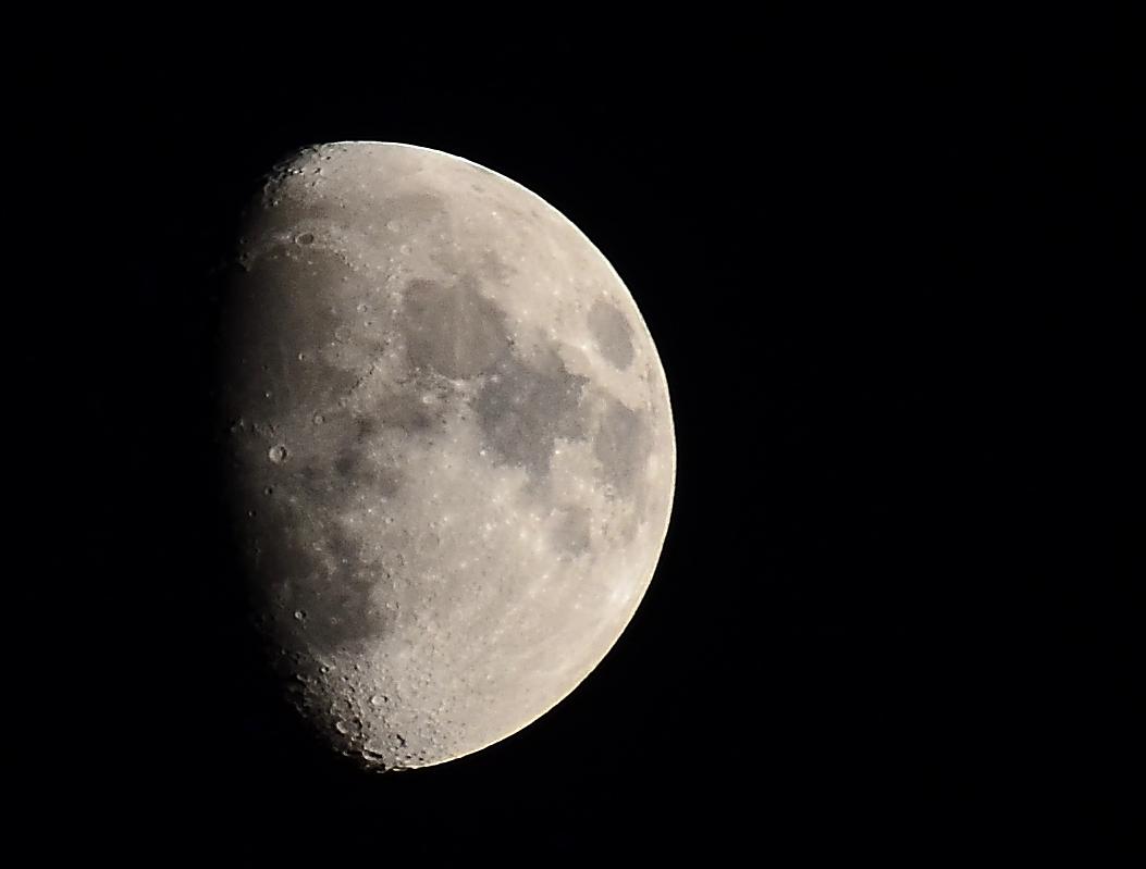 Mond am 30.05.2012