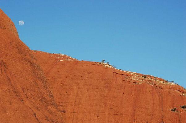 Mond am Uluru
