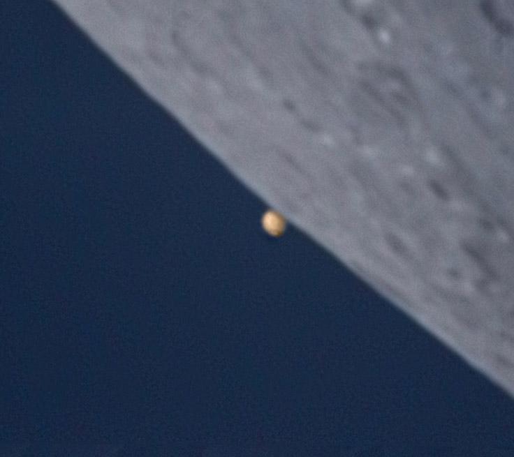 Mond gibt den Mars wieder frei - 10. Mai 2008