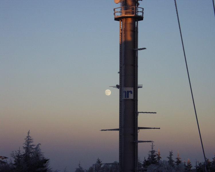 Mond in der Abenddämmerung