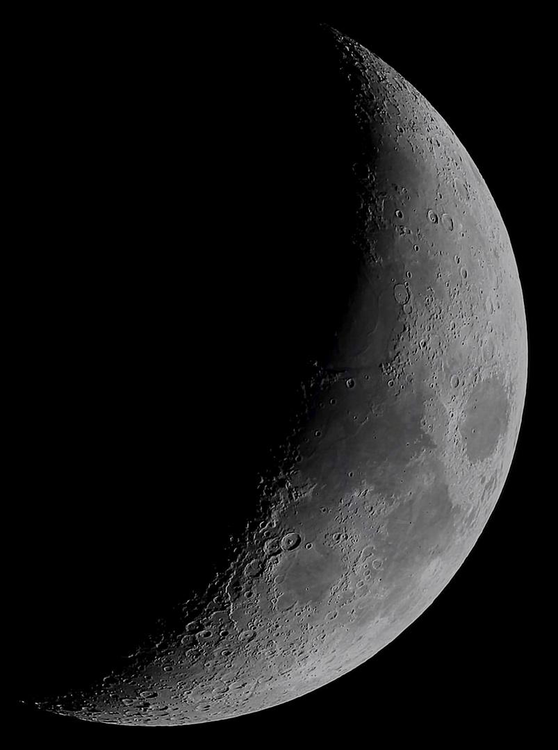 Mond in hoher Auflösung
