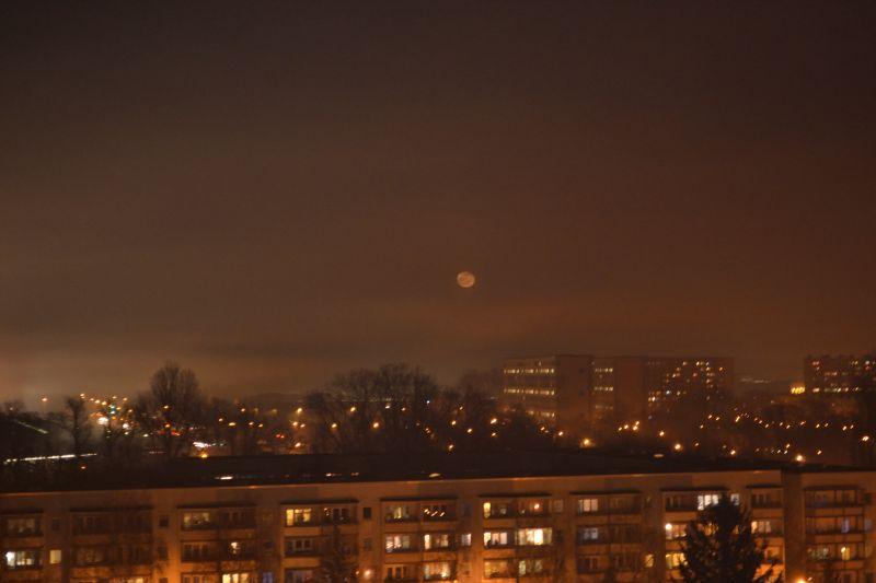 Mond in Nebel