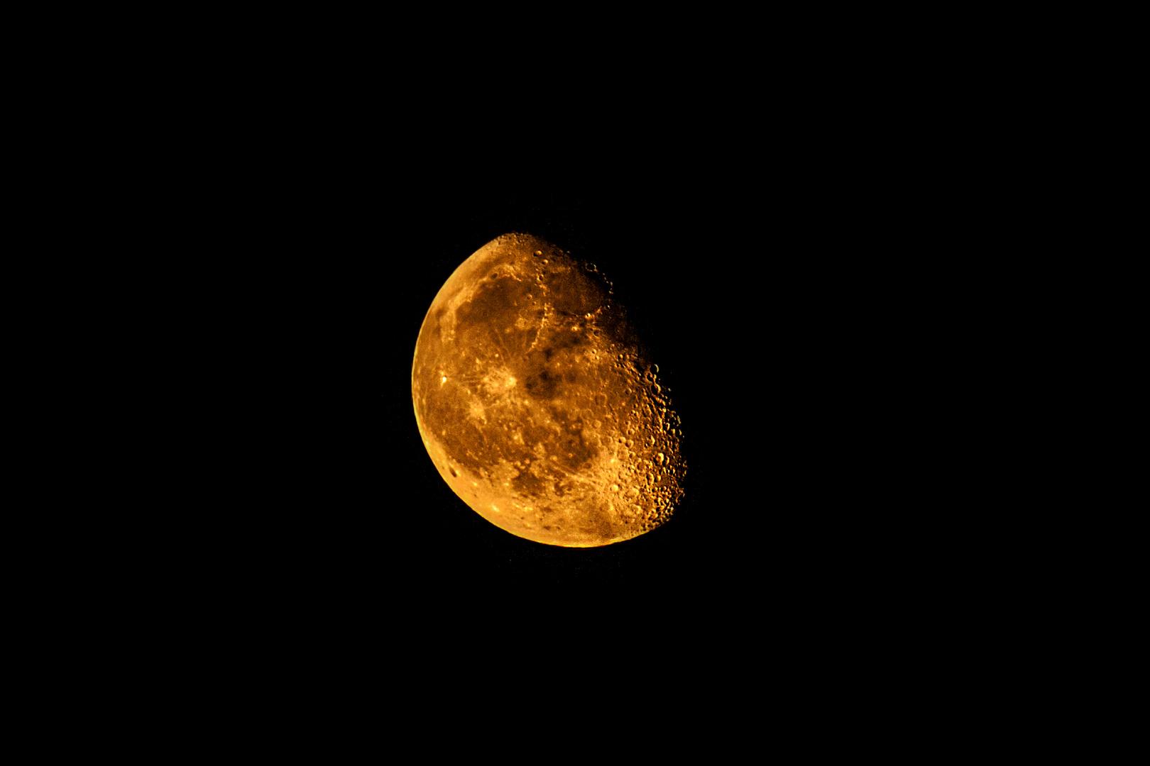 Mond oder Mars ?