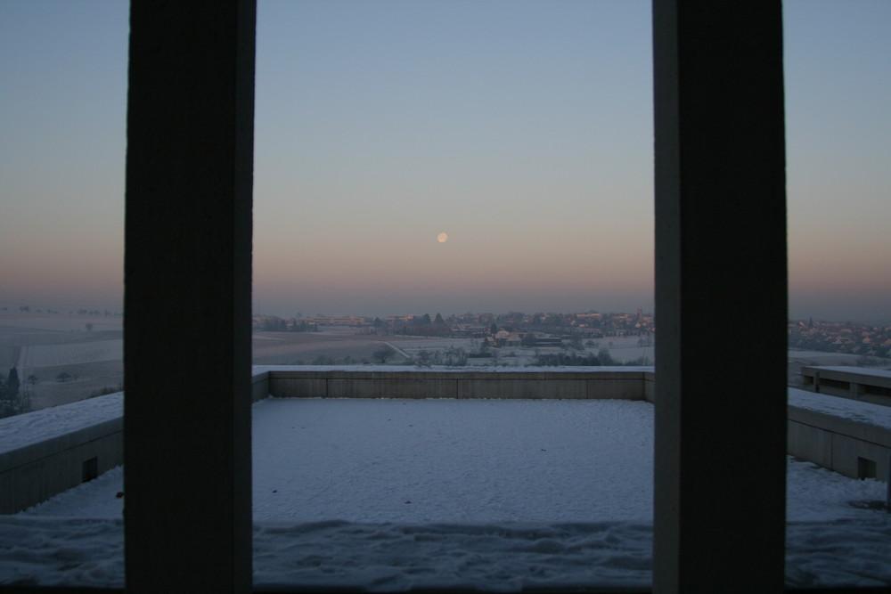 Mond über Benningen