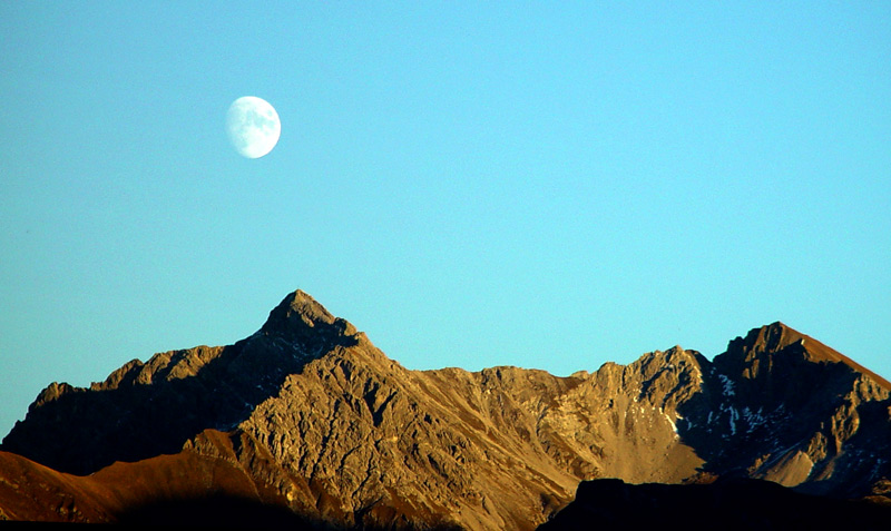 Mond über dem Lechtal