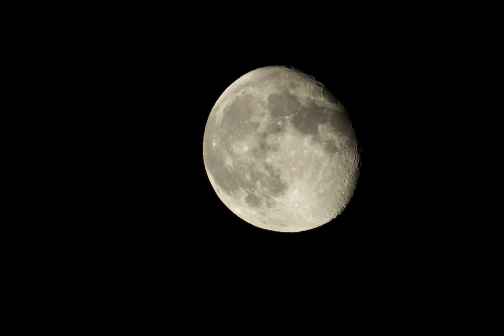 Mond über der griechischen Ägäis (Samos)