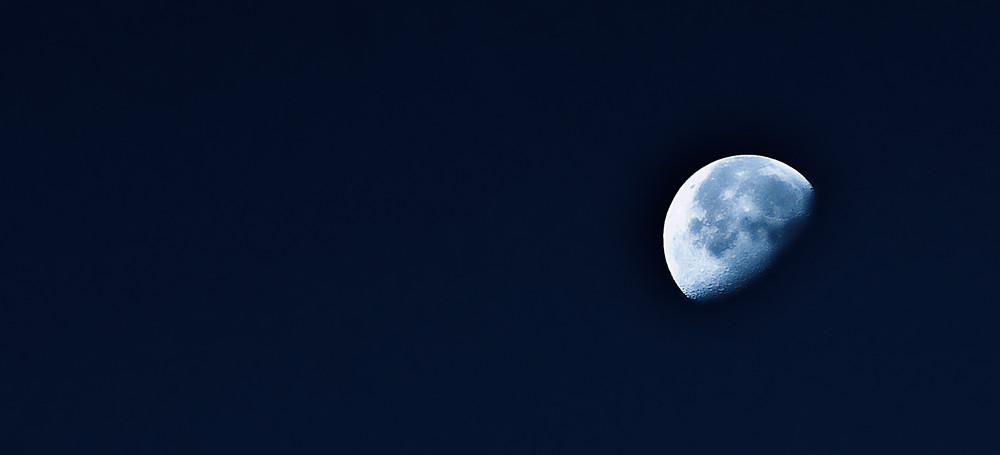 Mond über Leverkusen