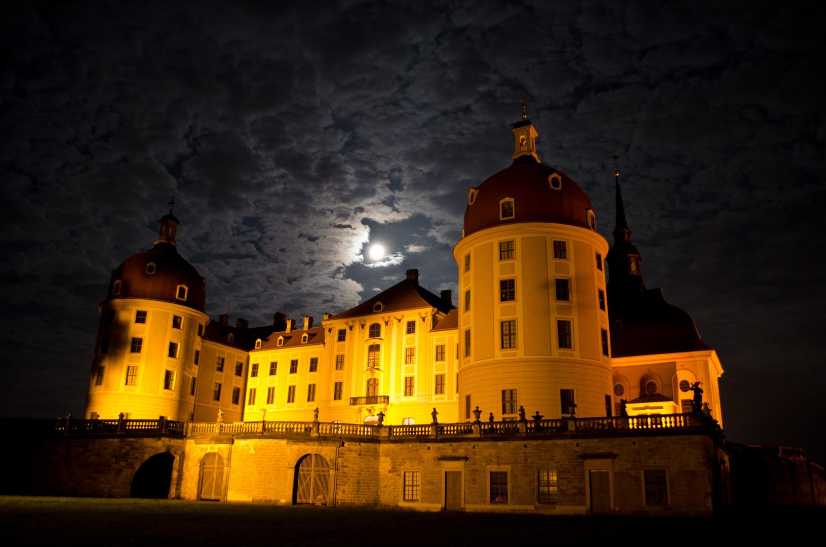 Mond über Moritzburg