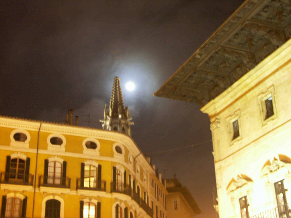 Mond über Palma
