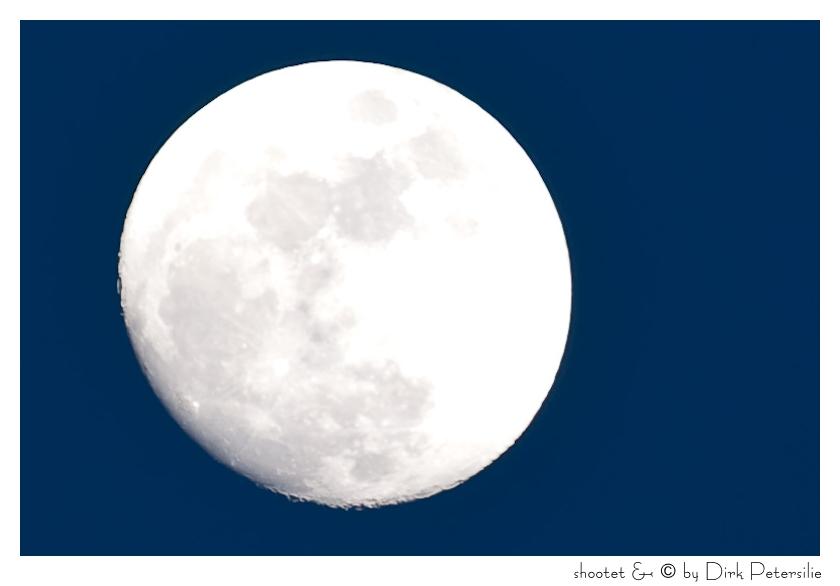 Mond über Salem