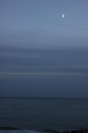 Mond über Wasser