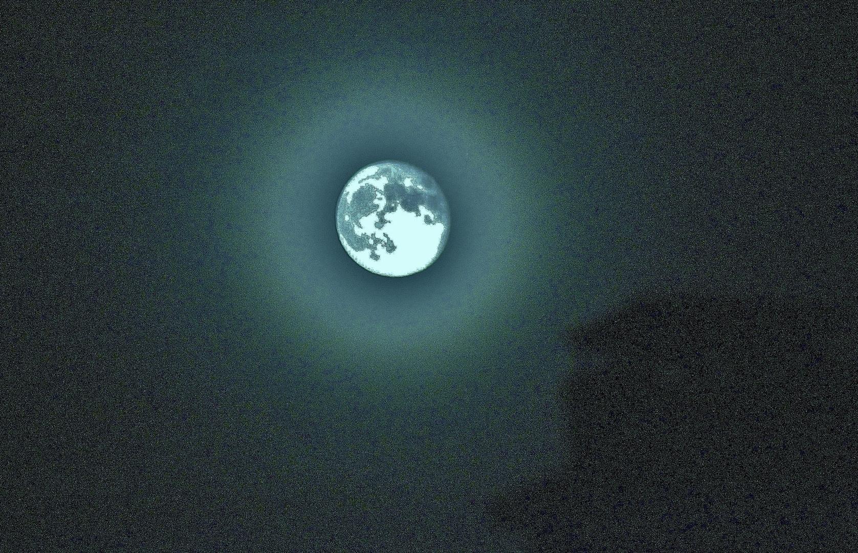 Mond über´m Haus...