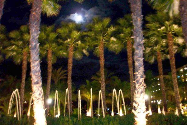 Mond und Springbrunnen