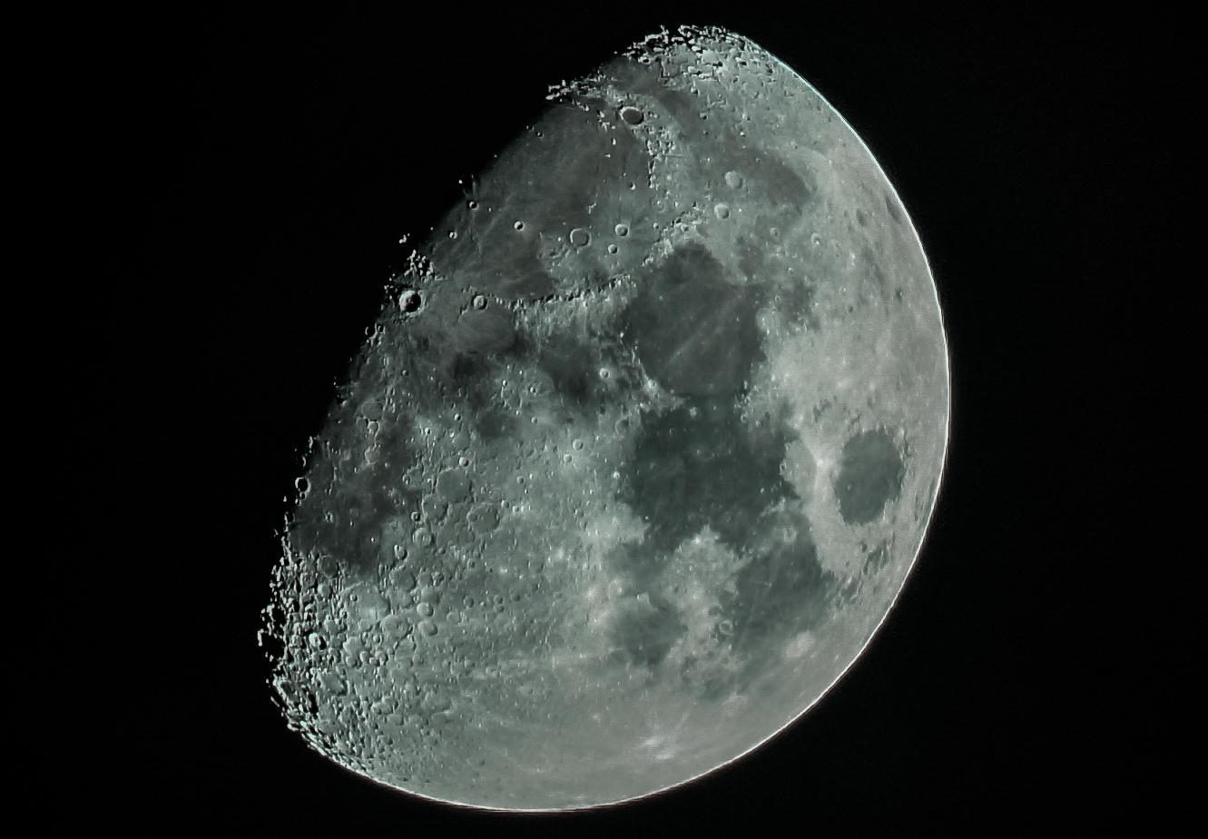 Mond vom 10.03.2014 nachbearbeitet