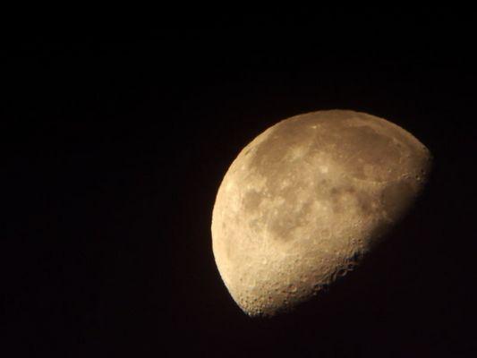 Mondaufgang durch's Telescope/ San Pedro / Atacama Wüste / Chile