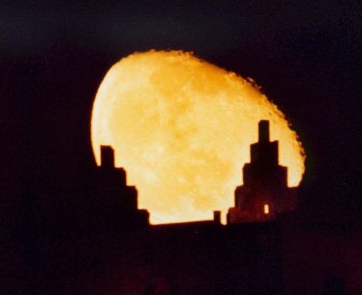 Mondaufgang hinter Trimburg