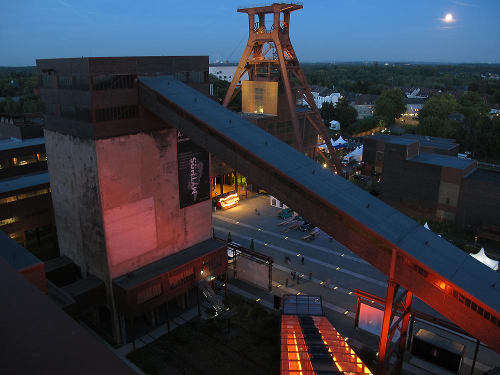 Mondaufgang hinter Zollverein