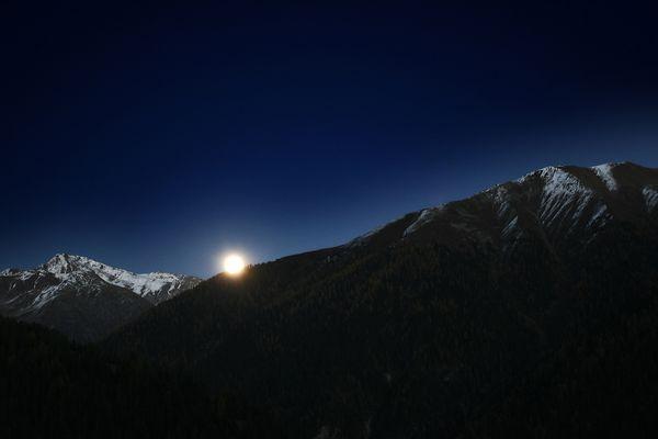Mondaufgang im Albulatal