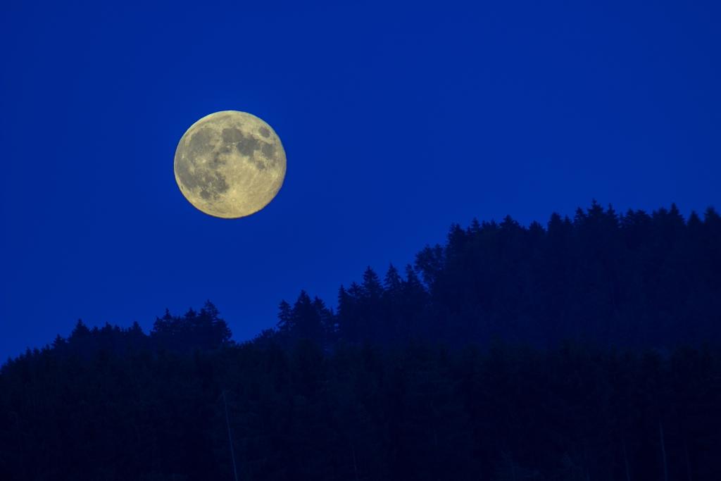 Mondaufgang im Siegerland