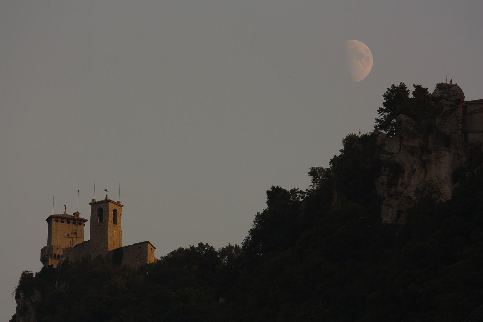 Mondaufgang in San Marino