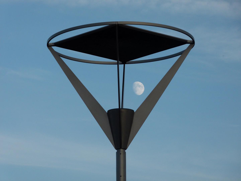 Mondffänger auf einem Wormser Kreisel