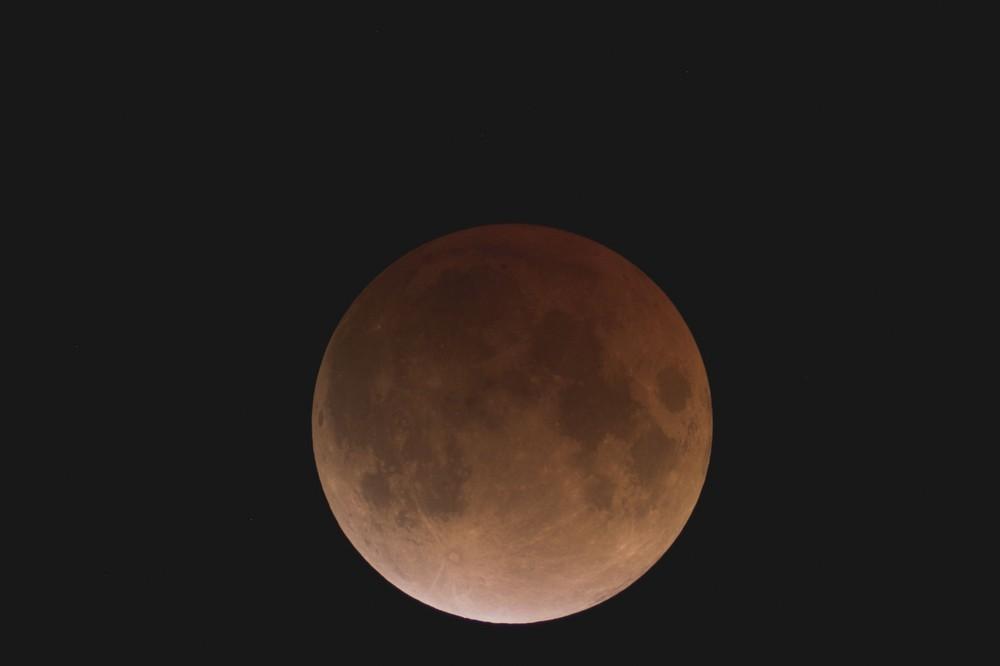 Mondfinsternis 21.02.08 in Schwülper, vollständige Totalität