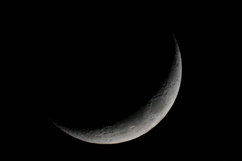 Mondsichel über Hamburg am 15.März.2013