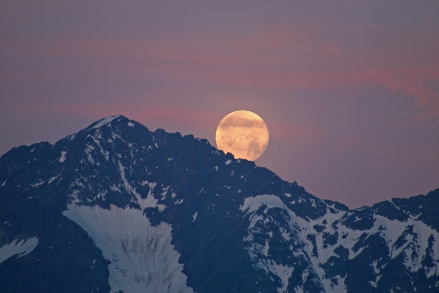 Monduntergang in den Hohen Tauern