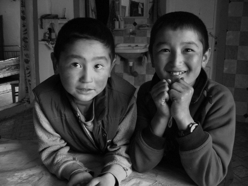 Mongolia - bambini di Olgii