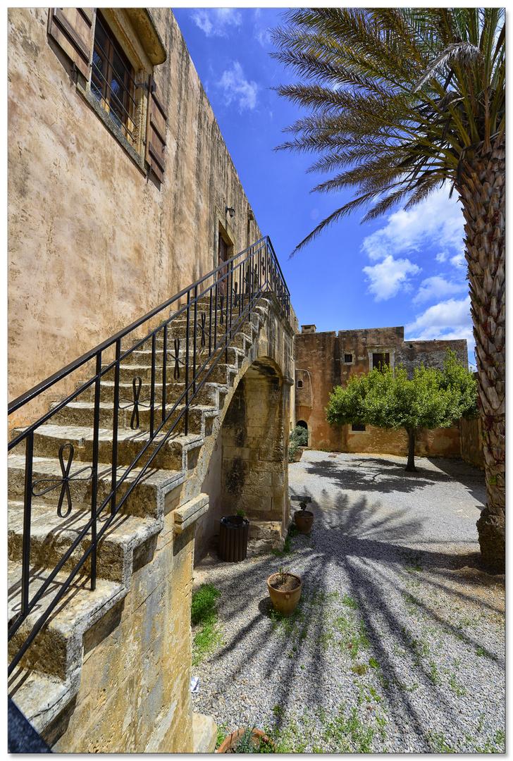 Moni Arkadi Kloster-Treppe zu einer Wohneinheit