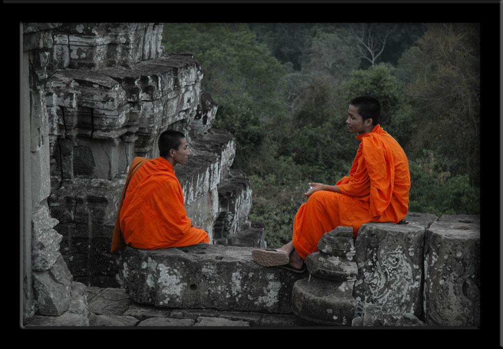 Monks in Phom-Bakeng