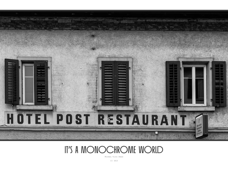 Monochrome World 11