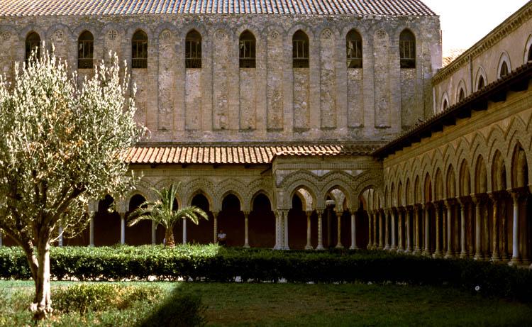Monreale (Sizilien) Kreuzgang des Klosters