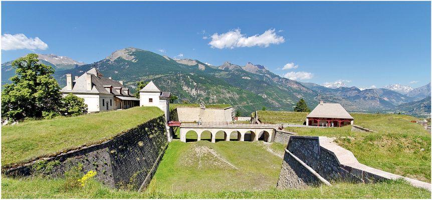Mont-Dauphin ( 05 )