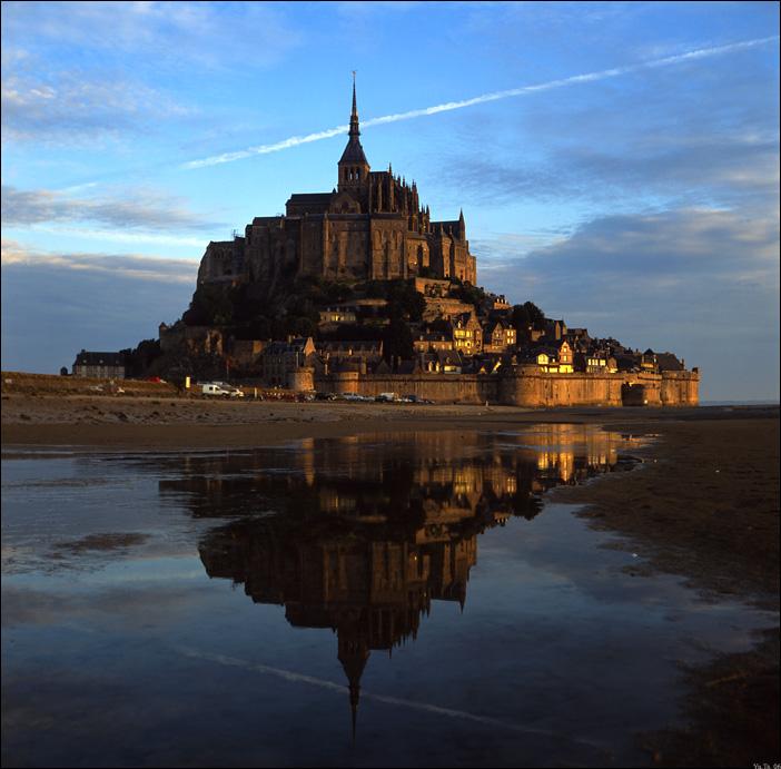 Mont Sain Michel. Dawn.